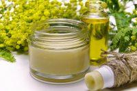 Naturalne składniki to podstawa pielęgnujących kosmetyków do cery trądzikowej.